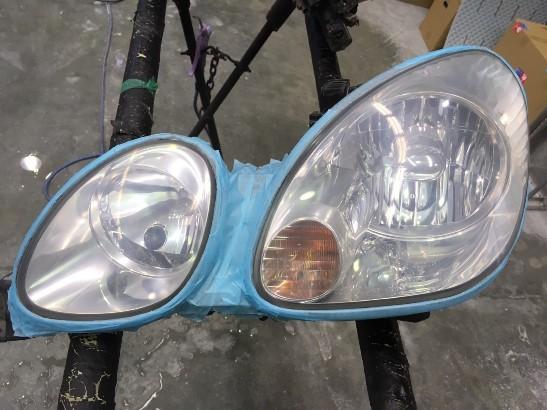 トヨタアリストのヘッドライト黄ばみ除去途中の状態3