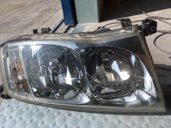 専用クリア塗装前のヘッドライトの状態1